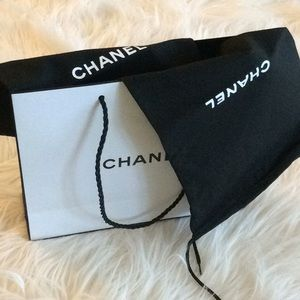 💞CHANEL 💞bundle of 2 dust bags and shopping bag
